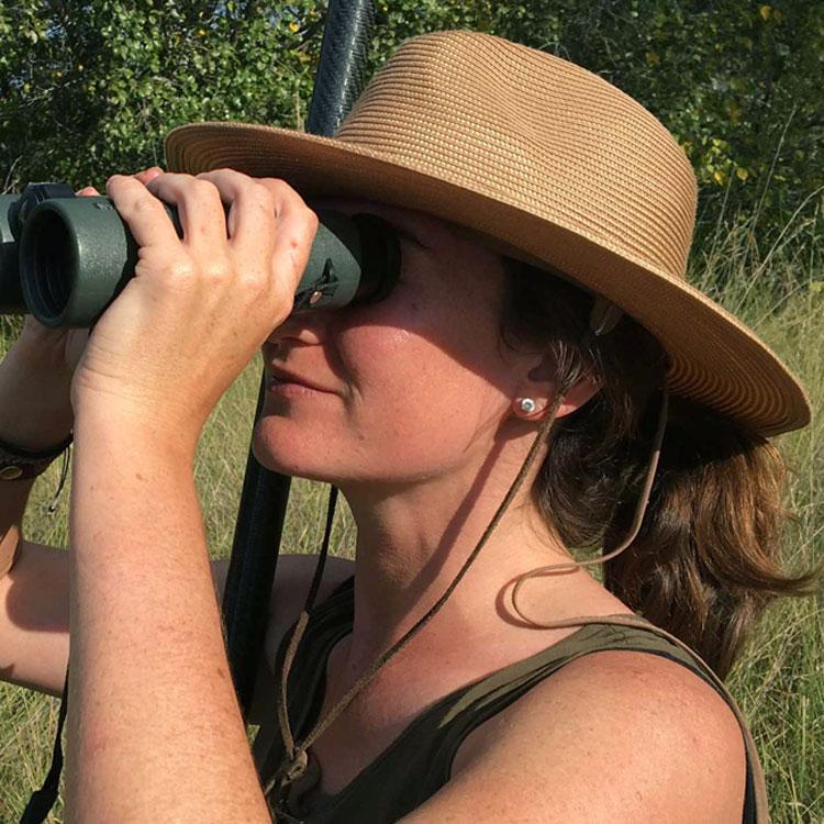 Woman wearing a summer & safari fedora hat
