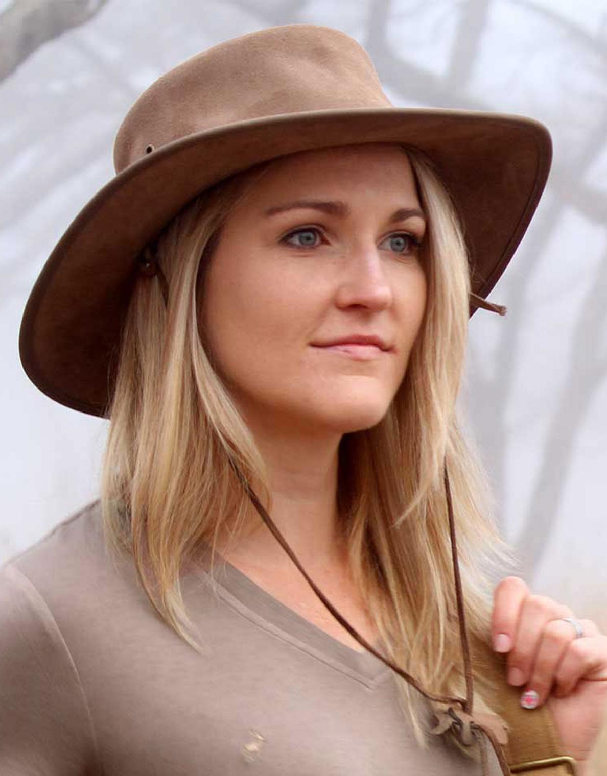 Women's leather safari hat in Khaki. Get safari hat sun protection for travel, outdoor, & safari